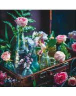 verjaardagskaart woodmansterne - bloemen in vaasjes