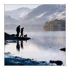 wenskaart  woodmansterne - derwentwater, een meer in engeland