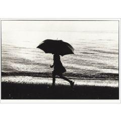 ansichtkaart - paraplu aan zee