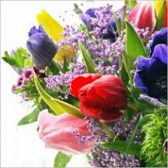 bloemenkaart - bos bloemen met tulpen en anemonen