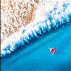 wenskaart woodmansterne - zwemband in zee