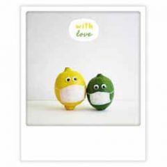 ansichtkaart instagram pickmotion - with love - citroenen met mondkapjes
