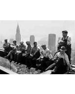 ansichtkaart  zwart-wit 1932 - lunch op gebouw